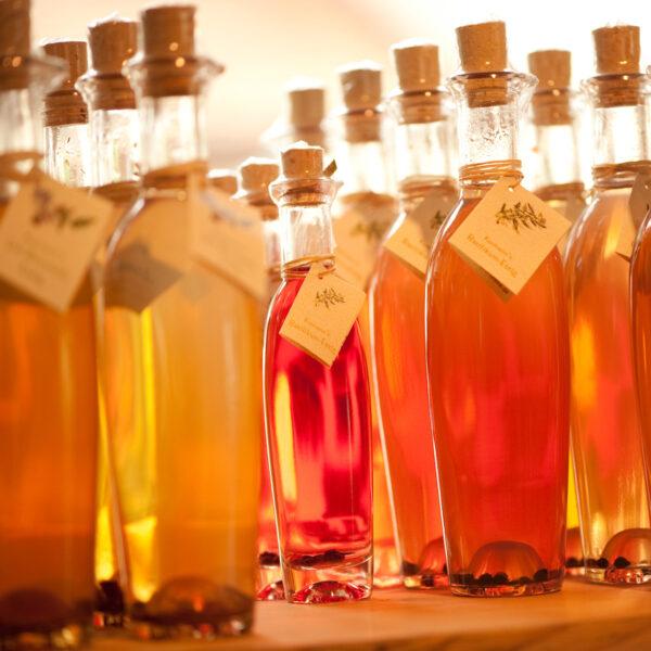 Essig (aromatisiert mit fränkischen Beeren und Früchten)