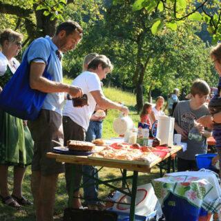 Banz: Besuch in der klösterlichen Streuobstanlage