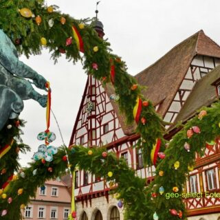 Fränkische Schweiz: Osterbrunnentour