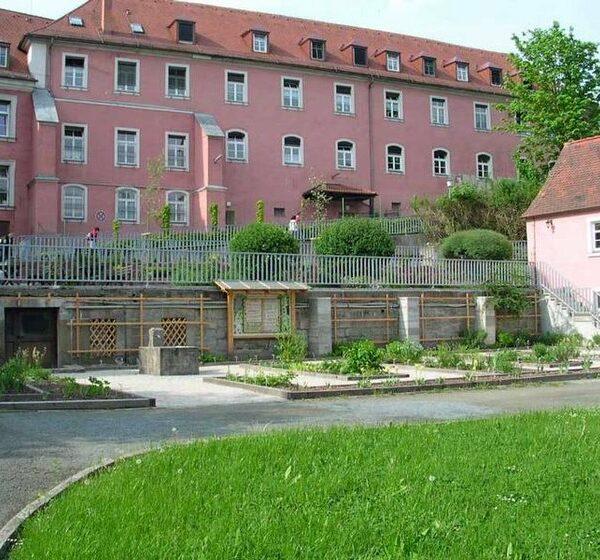 Himmelkron: Zum Kräutergarten im Kloster