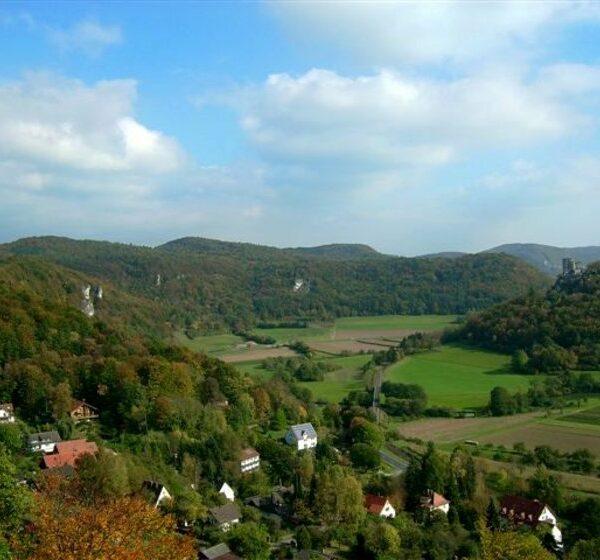 Leinleiter-, Wern- und Leidingshofertal: Eine Wanderung von Bahnhof zu Bahnhof