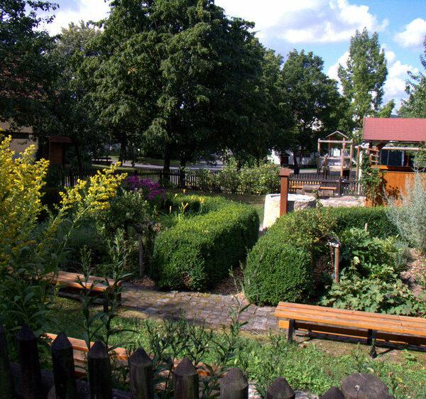 Mannsgereuth: Besuch im Kräutergarten