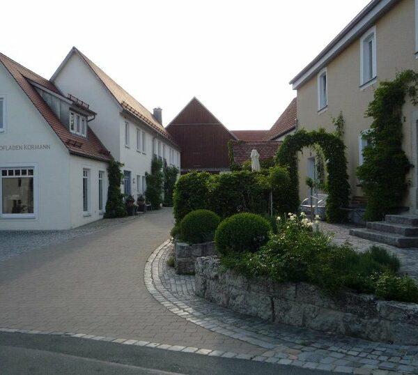 Moggast: Besuch in der Destillerie Kormann